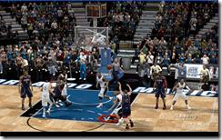 《NBA 2K9》最简单插入空接的方法